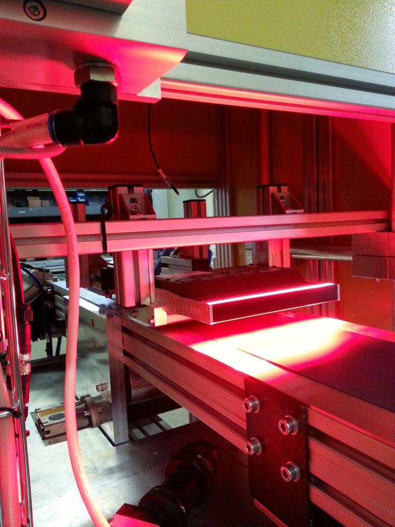 Optoband surface scanning conveyor belt with camera